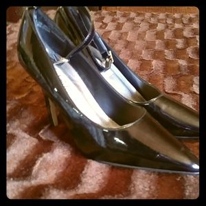 Frederick's of Hollywood black pumps